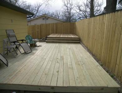 New deck and privacy fence in Kissee Mills, MO